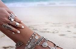 Как называются браслеты на ногу, их разновидности