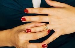 Можно ли носить обручальное кольцо мужа: как быть собручальным кольцом умершего мужа, приметы