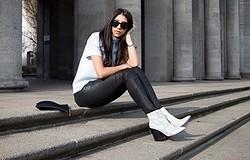 С чем носить белые ботинки? Комбинируем разные модели с одеждой. Наилучшие сочетания с женскими белыми ботинками. Топ лучших луков.