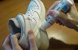 Чем покрасить подошву кроссовок?