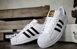 Как отличить оригинальные кроссовки адидас от подделки