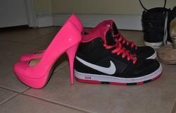 Почему женщины предпочли кроссовки каблукам: причины популярности кроссовок