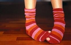 Почему колготки и носки постоянно рвутся на пальцах? Что делать?