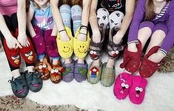 Что выбрать для дома: тапки или носки — плюсы и минусы вариантов
