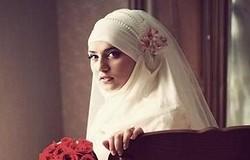 Как завязать платок на никах: пошаговые инструкции. Повязывание по-мусульмански, из двух платков, с шапочкой. Выбор украшений.