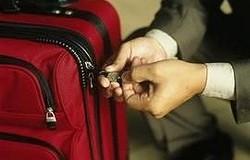 Как поменять или сбросить код на чемодане, если забыл? Выбираем способ в зависимости от типа замка. Пошаговая замена кода.