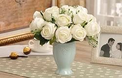 Можно ли держать в доме искусственные цветы: приметы и советы
