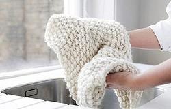 Как отбелить шерстяные белые вещи в домашних условиях? 7 народных рецептов, как отбелить шерсть